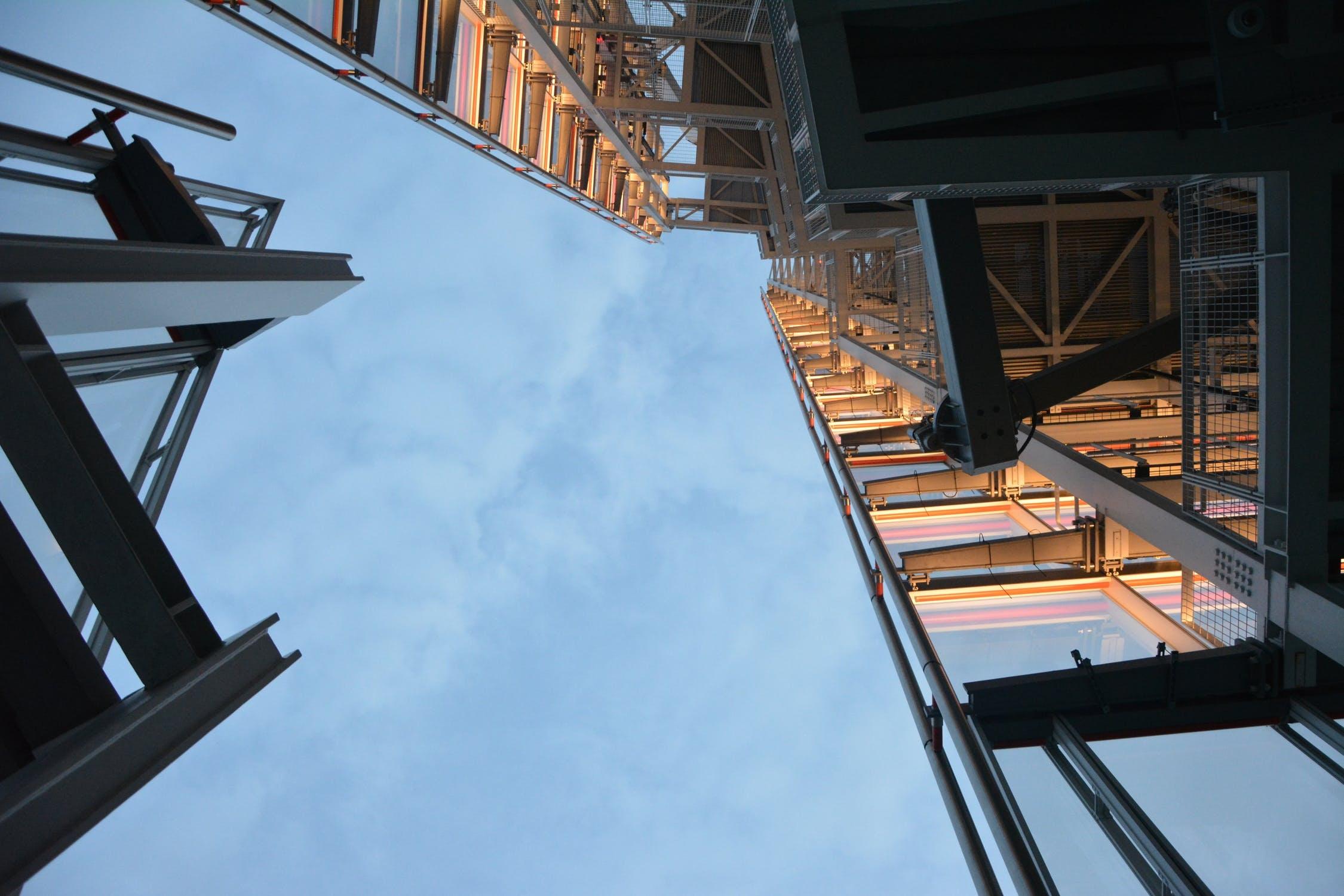 为什么说2021年办理建筑资质找资质代办更有优势?