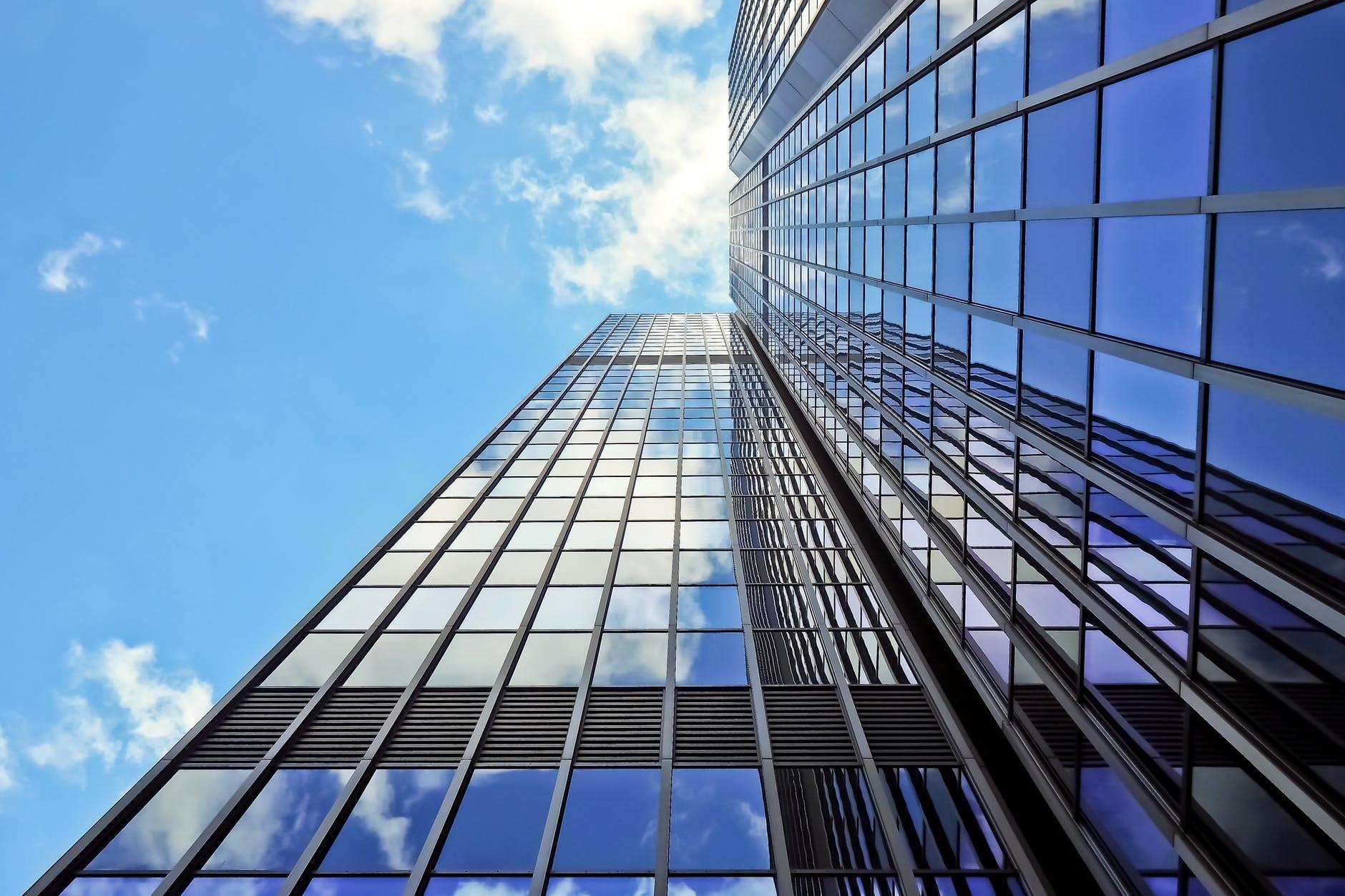 建筑资质办理时对职称有哪些要求?