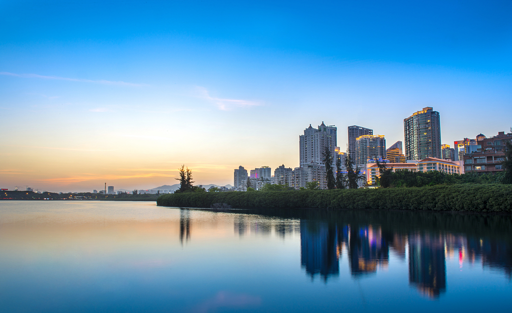 2021年建筑资质转让该选择哪种方式?如何规避风险?