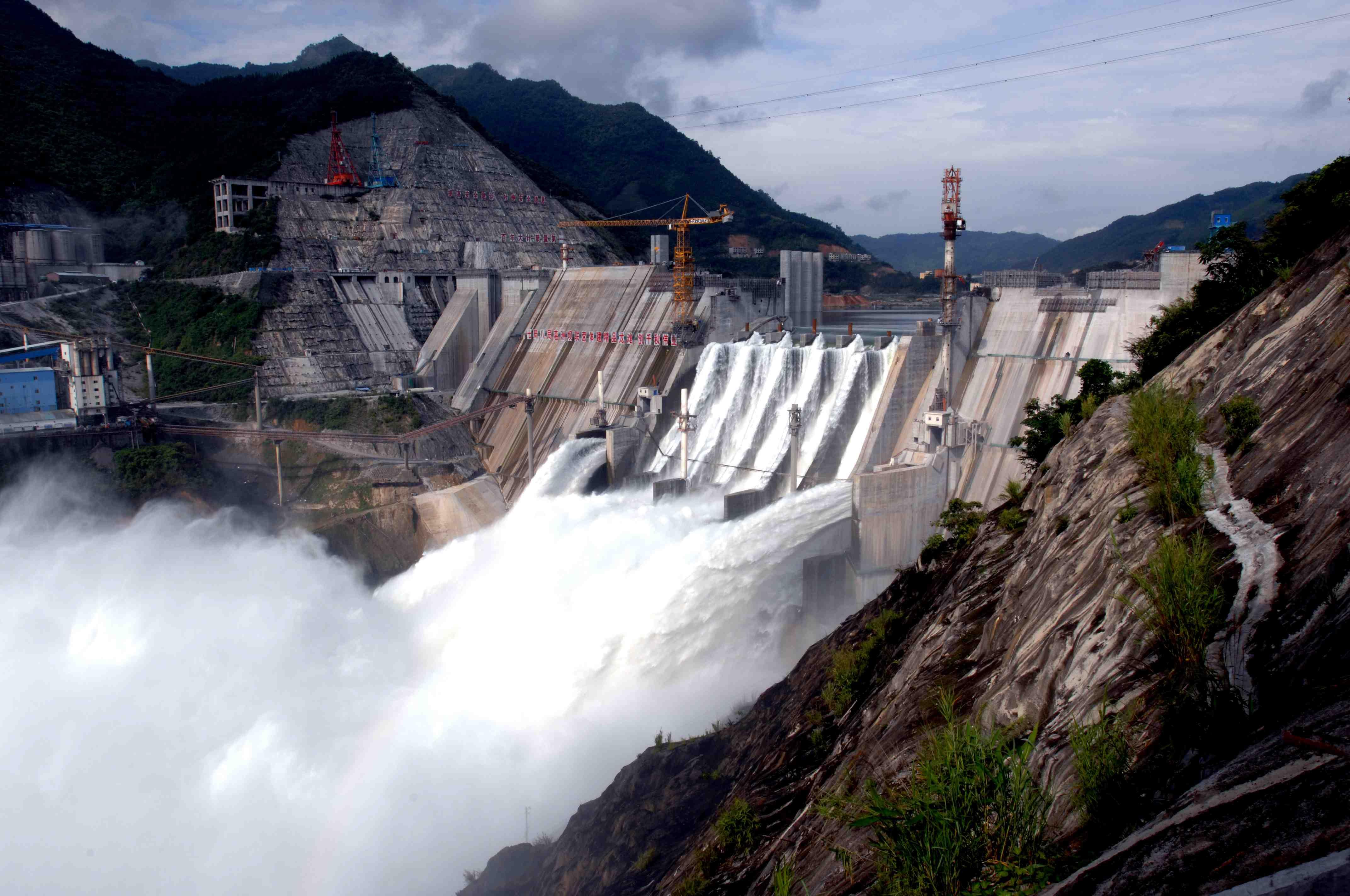 企业办理水利水电工程三级资质对人员要求高不高?
