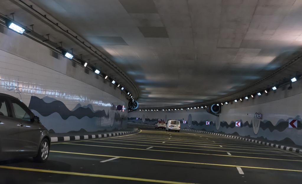 企业办理隧道工程专业承包资质需要多长时间?