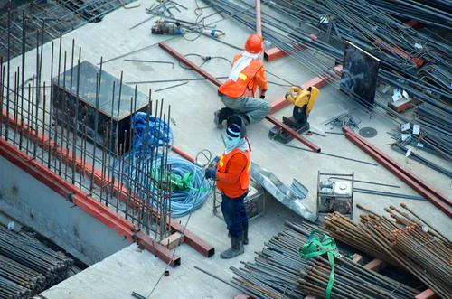2021年办理安全生产许可证对人员有什么要求?